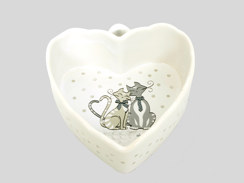 ciotola a forma di cuore con gattini innamorati, ceramica da tavola gatto, bowl-shaped heart with love kittens, cat ceramic tableware